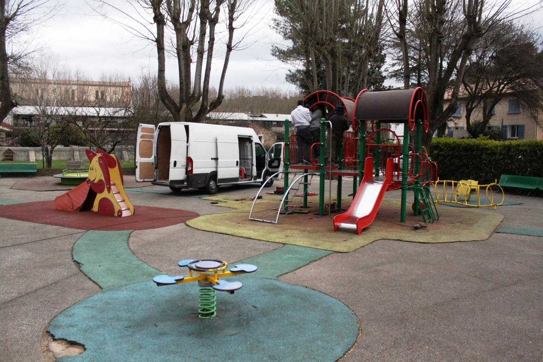 travaux au jardin d 39 enfants